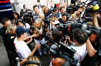 媒体曝光:有事请找人民记者,真管用